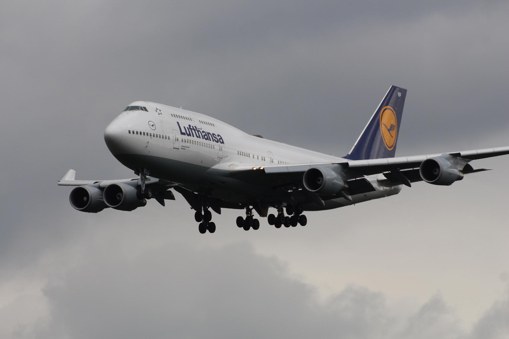 leil.de/di/pics/747_lufthansa_landet_in_frankfurt.jpg