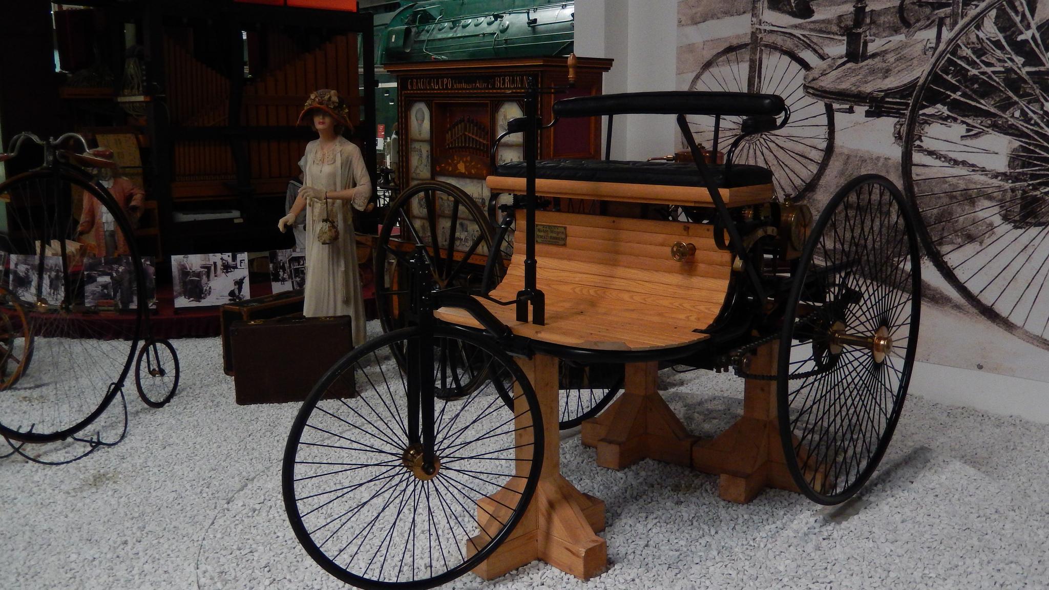 leil.de/di/pics/benz_patent_motorwagen_1886.jpg