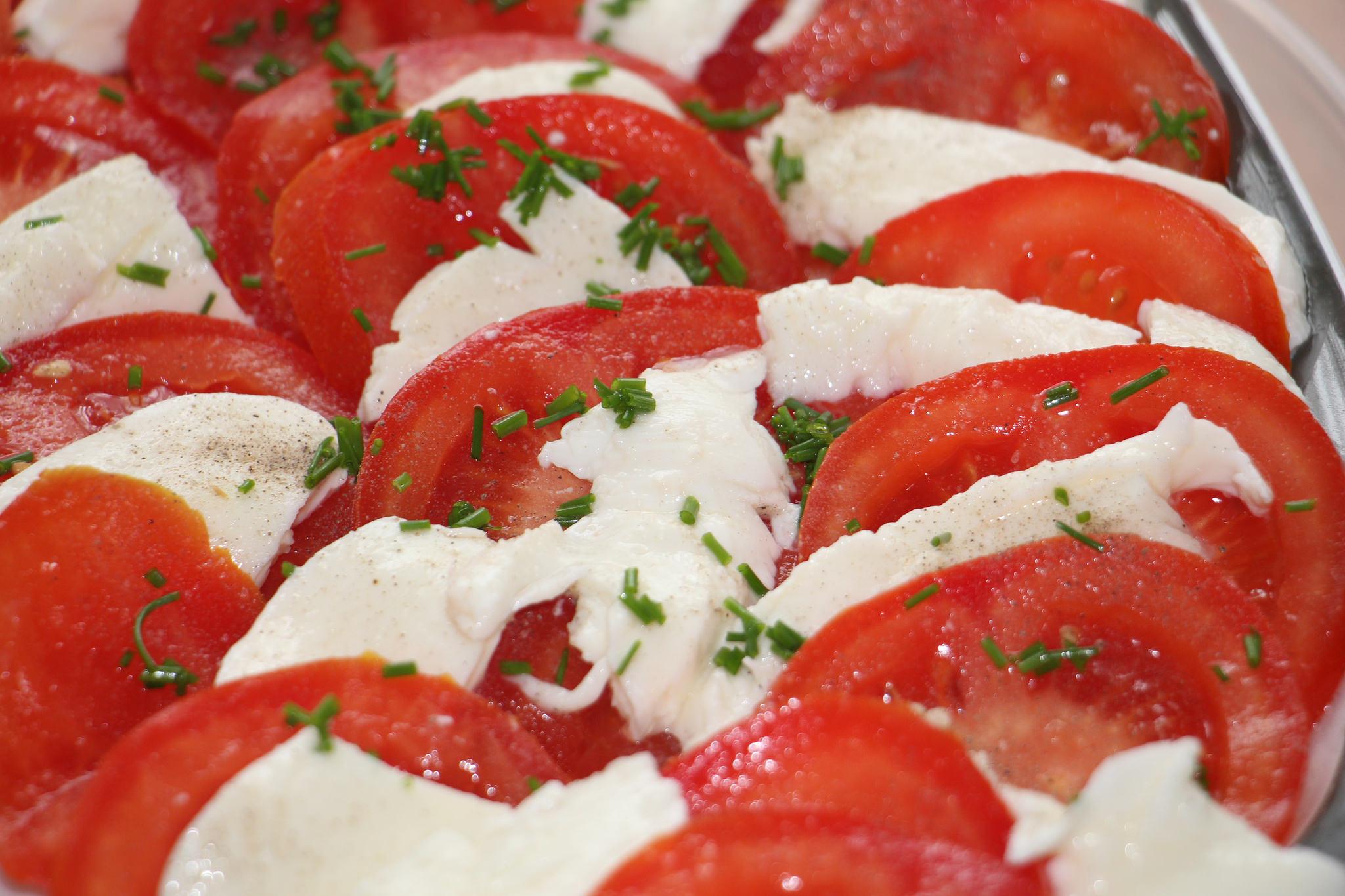 leil.de/di/pics/tomate-mozzarella-salat.jpg